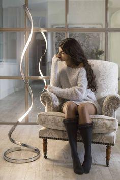 NUR floor lamp / Produced by Mantra Iluminación / Designed by Santiago Sevillano