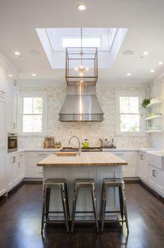 Kitchen Skylight - Transitional - kitchen - Benjamin Moore Decorators White - Evars and Anderson Bright Kitchens, Home Kitchens, Dream Kitchens, Dark Kitchen Cabinets, Island Kitchen, White Cabinets, Luxury Interior Design, Interior Ideas, New Kitchen