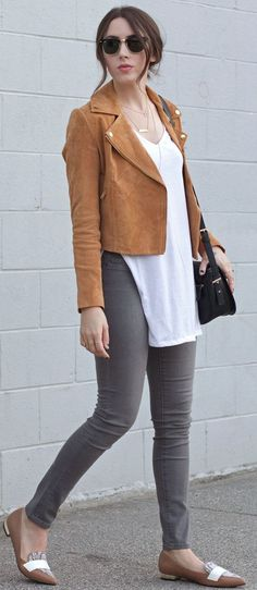Elements Of Ellis Lovely Camel And White Pointy Flats Fall Street Style Inspo #Fashionistas