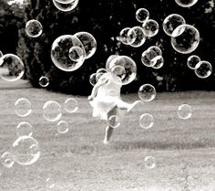 .totally gonna have to have someone blowing a ton of bubbles for me at some point with kid pics:)