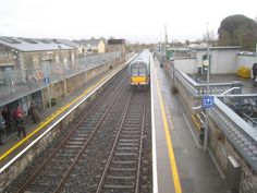 Waterford Train leaving Athy Station.
