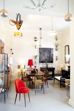 The space of Galerie in Emma's home. This shop specialises in collectables. Creative Office Space, Love Your Home, Work Spaces, Woodstock, Showroom, Mid Century, Real Estate, Table, Shop