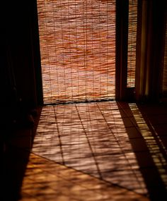 Japanese bamboo screen, Misu 御簾. Photo by kusao_masakari via Flickr.