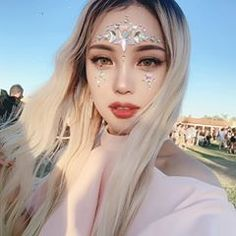 Coachella Throwback My Star Gem Look video is up! Check it out! Pony Makeup, Star Makeup, Korean Makeup Look, Korean Beauty, Aesthetic Makeup, Aesthetic Girl, Coachella Make-up, Makeup Carnaval, Rhinestone Makeup