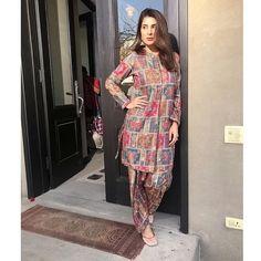 Party Wear Indian Dresses, Pakistani Fashion Party Wear, Pakistani Outfits, Indian Outfits, Indian Fashion, Stylish Dress Designs, Stylish Dresses For Girls, Simple Dresses, Casual Dresses