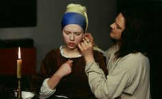 Girl with a Pearl Earring Starring: Scarlett Johansson as Griet and Colin Firth as Johannes Vermeer. (click thru for larger image) Julia Ormond, Colin Firth, Rupert Friend, Scarlett Johansson, Guy Ritchie, John Malkovich, Judi Dench, James White, Jennifer Connelly