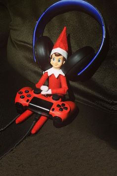 Gamer | Awesome Elf on the Shelf Ideas for Kids