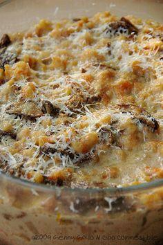 Spatzle di zucca al forno con funghi porcini #recipe #juliesoissons Spatzle, Yummy Recipes, Yummy Food, Eclectic Taste, Pasta Bake, Italian Dishes, Recipe Using, Street Food, Spice Things Up