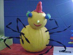 miss spider Children's Book Characters, Storybook Characters, Book Character Pumpkins, Pumpkin Books, Pumpkin Contest, Pumpkin Decorating, Decorating Ideas, Creative Pumpkins, Classroom Crafts