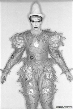 David Bowie - Pierrot (Ashes to Ashes)