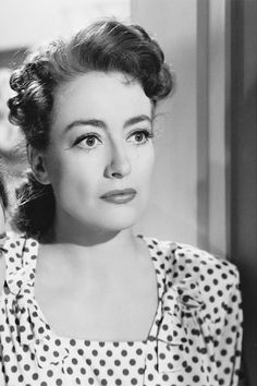Joan Crawford in Mildred Pierce, 1945