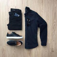 Advice On Buying Fashionable Stylish Clothes – Clothing Looks Stylish Men, Men Casual, Casual Jeans, Look Man, Casual Outfits, Fashion Outfits, Outfit Grid, Men's Wardrobe, Men Style Tips