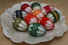 Veľkonočné kraslice Crochet Chart, Knit Crochet, Easter Crochet, Egg Decorating, Bobbin Lace, String Art, Easter Eggs, Macrame, Weaving