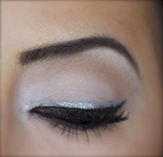 Silver liner??? Hmmm..wonder if it would look good with strip eyelashes or individuals