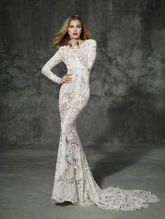 Verlieben Sie sich in die geniale Brautmode von YolanCris und feiern Sie eine bezaubernde Hochzeit! Image: 6