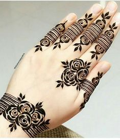 Very Simple Mehndi Designs, Short Mehndi Design, Henna Tattoo Designs Simple, Rose Mehndi Designs, Khafif Mehndi Design, Finger Henna Designs, Mehndi Designs For Girls, Mehndi Designs For Beginners, Modern Mehndi Designs