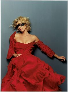 """Photographer Gilles Bensimon; Actress Charlize Theron; Editorial """"Beyond The Blond""""; Magazine Elle (US) October 2001"""