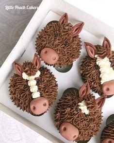 Wedding Cakes With Flowers, Elegant Wedding Cakes, Flower Cakes, Elegant Cakes, Birthday Cake Girls, Cousin Birthday, Birthday Cakes, Chocolate Buttercream, Chocolate Cupcakes