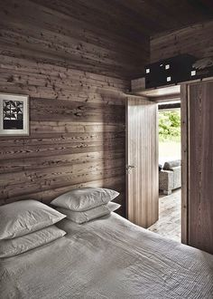 my scandinavian home: A striking Danish log cabin Chalet Interior, Interior Exterior, Interior Design, Wooden Summer House, Eco Cabin, Style Simple, Style Rustique, Cabins And Cottages, Scandinavian Home