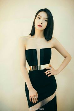 Song Qian, Queen V, Victoria Song, Strapless Dress, Fashion Outfits, Beautiful, Tops, Dresses, Display