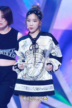 soshi-mylovejeti.blogspot.com: 2.7.16 TaeYeon @ Music Core Comeback Stage