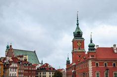 Centre historique de Varsovie en Pologne San Francisco Ferry, Big Ben, Poland, Places To Visit, Building, Centre, Oc, Travel, Warsaw Poland