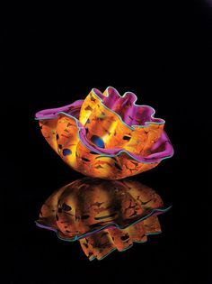 Dale Chihuly handmade art glass vessel.