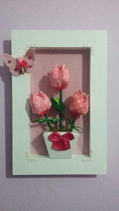 Quadro de tulipas. Feltro e tecido. Lindo!