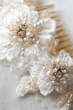 Bridal lace hair comb_ivory and gold 1