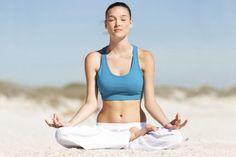 Mit diesen Yoga-Übungen können Sie Rückenschmerzen und andere Beschwerden lindern - ganz einfach Zuhause!