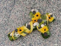 dušičková dekorace výroba - Hledat Googlem Halloween, Plants, Plant, Planets, Spooky Halloween