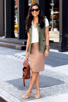 30 Spring Business Outfits To Be The Chicest Woman In Your Office just for our fans. Specialized office outfit ideas to be successful Dark Wash Jeans, Blue Jeans, Business Casual Outfits, Office Outfits, Stylish Outfits, Classy Outfits, Casual Look, Casual Chic, Casual Office