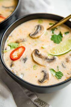 Ever Tom Kha Gai Soup (Thai Coconut Chicken Soup, Paleo) - This tom kha gai (or Thai coconut soup) is absolutely perfect. Rich and creamy yet -Best Ever Tom Kha Gai Soup (Thai Coconut Chicken Soup, Paleo) - This tom kha gai (or Thai coconut. Thai Coconut Chicken, Thai Coconut Soup, Thai Soup, Coconut Soup Recipes, Thai Vegetable Soup, Creamy Soup Recipes, Spicy Thai Chicken Soup, Panang Curry Chicken, Thai Shrimp Soup