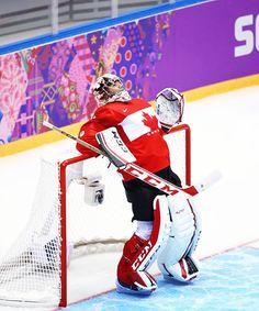 Sochi 2014 C. Hockey Rules, Women's Hockey, Hockey Players, Hockey Stuff, Goalie Gear, Goalie Mask, Montreal Canadiens, Nhl, Patrick Roy