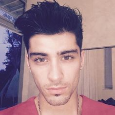 So Fresh So Clean! Former Directioner #ZaynMalik is no-longer part of the #BeardGang as he shaves off his facial hair and posts a new pic to Instagram! Ladies you like?