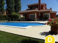 Excelente Moradia T4 com piscina e jardim  Praia DEl Rei