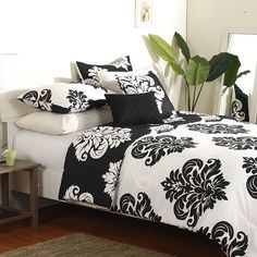 Black And White With Green In Fleur De Lis Duvet Covers Bed