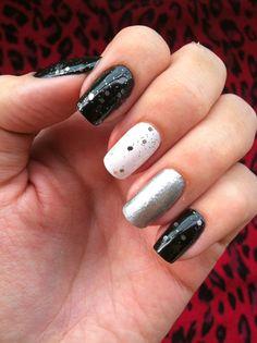 P&B nails #glitter #p&b #black