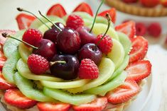 """Green Your Beauty: Expert Tips on Becoming a """"Beauty Foodie"""""""