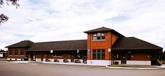Gare ancestrale de ville Lac-Mégantic Canada, Cabin, House Styles, Home Decor, Train Station, City, Vacation, Cabins, Cottage