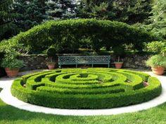 garden labyrinth: