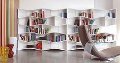 meuble de salon pour le rangement des livres- bibliothèque murale blanche très originale
