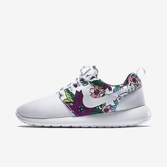 Nike sneakers $21.9 2016 Discover and fashion,shop the latest women fashion street style, outfit ideas you love Latest Fashion For Women, Teen Fashion, Spring Fashion, Fashion Outfits, Runway Fashion, Milan Fashion Weeks, New York Fashion, London Fashion, Running Shoes Nike