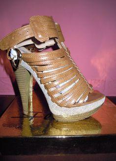 Compra il mio articolo su #vinted http://www.vinted.it/calzature-da-donna/sandali/37928-sandali-tacco-altissimo-color-cammello