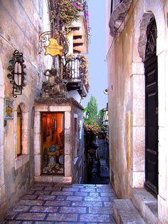 Vicolo in Taormina by Cecile Hoang Cong