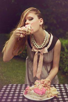 Extravagant Posh Picnics - Vogue Italia's 'Indian Summer' Boasts Alfresco Luncheons (GALLERY)