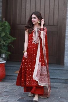 Maya Ali looks lovely as ever as she celebrates Eid in this feminine yet flirty number. Indian Fashion Dresses, Indian Bridal Outfits, Indian Gowns Dresses, Dress Indian Style, Indian Designer Outfits, Designer Dresses, Indian Wedding Dresses, Designer Anarkali Dresses, Modest Wedding