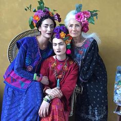 Fabulous editorial. Gudrun Sjoden Fashion! #fashioneditorial #beautiful #unusual #exquisite #threesome #greatstyling #flowers #hairornaments #beautiful #ageless #gudrunsjoden