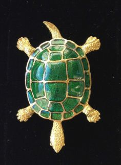 $14.50 Beautiful Vintage Figural Turtle Brooch pin Gold tone & Green Enamel