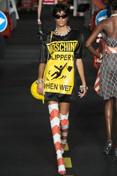 Moschino Spring 2016 Ready-to-Wear Fashion Show - Lexi Boling